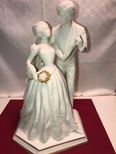 """Franklin Mint 1987 """"To Have And To Hold�Hand Painted Porcelain Statue,12 1/4�"""
