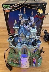 2007 Lemax Spooky Town Halloween Vampire Dracula Castle-75498-READ-Ships FAST!