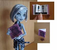Monster High. Miniature Book. Scale 1:12