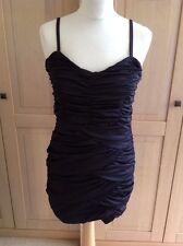 Gran H&M Negro Acanalada Tiras Vestido del Reino Unido Talla M (12-14) una vez Usado Buenas Condiciones