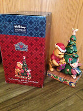 """WALT DISNEY SHOWCASE COLLECTIONS """"A CHRISTMAS GIFT OF FRIENDSHIP"""" POOH & PIGLET"""