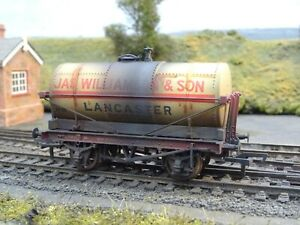 BACHMANN JAS WILLIAMSON LANCASTER TANKER WAGON (LINESIDE WEATHERED) 37-679A