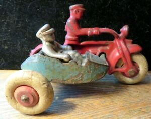 "Hubley Cast Iron 4"" 1930's Red & Blue Motorcycle & Sidecar Cop Rider & Passenger"
