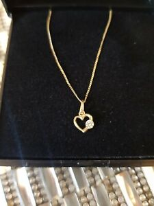 Childrens 9ct Gold heart Necklace New Boxed