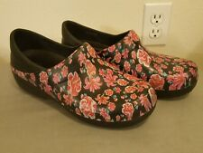 CROCS Dual Comfort Black Floral Flower Nurse Professional Clogs Shoes Womens 10