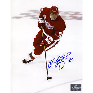 Sergei Fedorov Detroit Red Wings Signed 8X10 Action Photo
