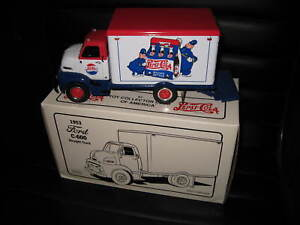 1.34 1st FIRST GEAR 1953 FORD C-600 STRAIGHT DELIVERY TRUCK PEPSI COLA #10-1351