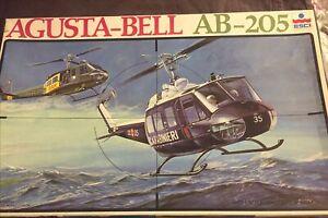 Esci Agusta Bell AB-205 Carabinieri Kit Di Montaggio 1/48