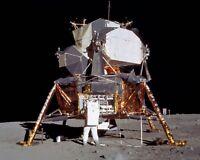 BUZZ ALDRIN APOLLO 11 ASTRONAUT DEPLOYS EXPERIMENT - 8X10 NASA PHOTO (BB-008)