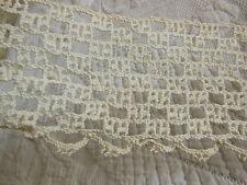 trés large dentelle ancienne crochet idéal jupon 1mètre 90 sur 8,3 cm