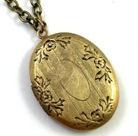 VINTAGE LOCKET NECKLACE PENDANT VICTORIAN REVIVAL NOS COSTUME JEWELRY