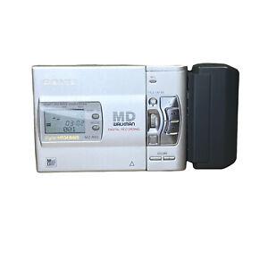 Sony MZ-R50 MD Mini Disc Walkman Portable Recorder W/ Battery Attachment Vintage