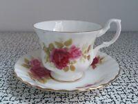 Vintage Royal Albert Floral Roses Bone China Montrose Tea Cup Saucer Shabby Chic