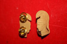 US WAC METAL COLLAR BADGES GILT BOS WWII REENACTMENT