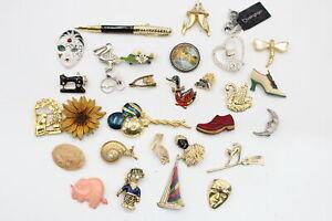 30 x Vintage & Retro BROOCHES inc. Early Plastic, Kitsch, Enamel, Rhinestone