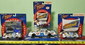 4 RCCA ACTION WINNERS CIRCLE 2002 NASCAR KEVIN HARVICK #29 Reese's Fast Break