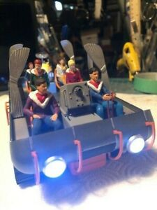 Moebius Chariot 1/24 Lost In Space Robinson Family 7 Piece SEATED PARKA Set