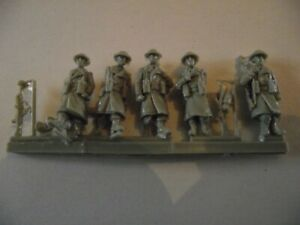 "MILICAST PREMIERE RANGE ""FIG 65 - British foot patrol in greatcoats"". Unopened"
