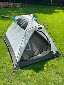 """Mountain Hardwear """"Room With A View"""" Tent w/Footprint - Excellent Condition"""