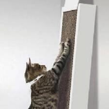Rascador para gatos de cartón. con hierba gatera
