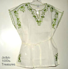 WHITE CAP SLEEVE BLOUSE GREEN EMBROIDERY MEDIUM MADE IN THE PHILIPPINES