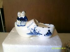 """PAIR OF VINTAGE DELFT HOLLAND SHOES WITH BOY & GIRL 5 1/4"""""""