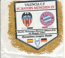 PETIT FANION 10*9 CM BAYERN MUNCHEN Vs VALENCIA.CF FINAL CHAMPIONS LEAGUE 2001