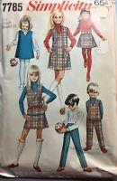 """Vintage 1960s Pattern Girls Jumper Dress Pants Simplicity #7785 SZ 8 Br27"""" UNCUT"""
