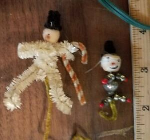 vintage pipe cleaner snowmen +a vintage electric candle stick + a bag of vintage