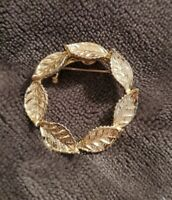 Gerry's Vintage gold tone leaf wreath Brooch costume jewellery