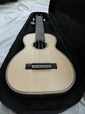 LARRIVEE KOA UKULELE MODEL UC 40 KA WITH CASE, NEW WITH LARRIVEE WARRANTY