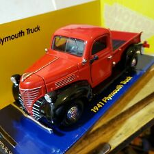 Motor Max Plymouth 1941 Truck Red 1:24 Die Cast Replicas Motor Max Chrysler