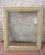 CADRE BOIS MOULURE DE PÂTE LAQUÉ AVEC VERRE 37 x 32 cm.