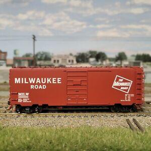 HO Intermountain 40' PS-1 Box Car – Milwaukee Road MILW 45472-06