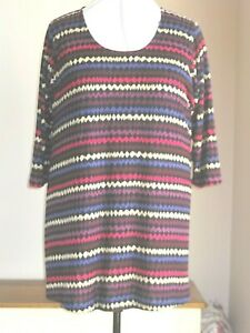 BNWT SIZE 30/32 LIGHT KNITTED A-LINE TUNIC JUMPER WITH ZIG ZAG PRINT