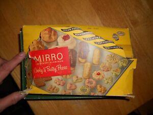 Vintage 1950s MIRRO cooky  cookies press 3 tips 12 designs org box  plus booklet