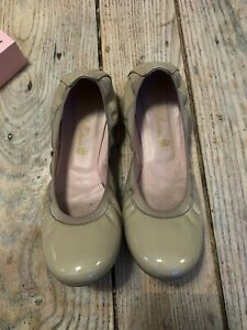 "Immaculate PRETTY BALLERINA ""Shirley"" Creamy Beige Patent Leather Flat SHOES 39"