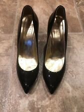 Gucci Black And Gold Patent Leather Pumps, Size 7 1/2