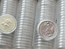 More details for 100 x plastic round coin boxes capsules cases size 39 mm (crown,£5 ,1oz silver )