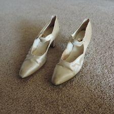 Vintage 1920's White Satin Single Strap Wedding Pumps Shoes - Flapper