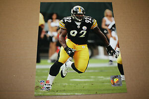 PITTSBURGH STEELERS JAMES HARRISON UNSIGNED 8X10 PHOTO POSE 2