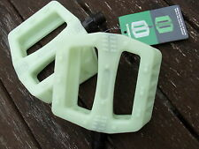 "Wellgo BMX Bike Pedals (GLOW IN THE DARK) Cycle Bicycle (PAIR) 9/16"" (NEW)"