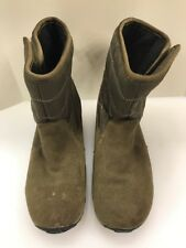 MERRELL Boys Girls 4 US Jungle Moc Boots Opti-Warm Winter Snow Boots Olive Green