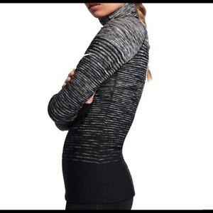 Nike Women's Hyperwarm gray Training Top size L