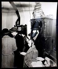 JUDAICA PALESTINE 1936 JUDAICA ANTIQUE BIG PHOTO OF A JEWISH IN SYNAGOGUE.