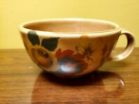 "Vtg McCoy pottery 137 LG cup / soup bowl, has a chip see pic.  6""R x 3""T"