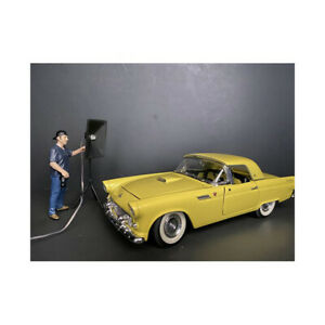 Weekend Car Show Figurine V for 1/18 Scale Models by American Diorama 38213