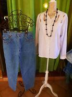 T42-4 4 lot 2piéces +collier offert =pantalon  , superbe  corsage blanc  femme
