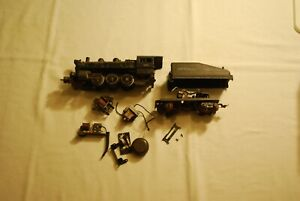 LIONEL  #8976 SWITCHER WITH 2227W  TENDER  PARTS  OR  FOR  RESTORATION