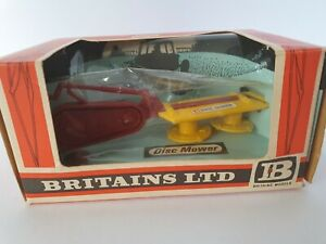 VINTAGE BRITAINS FARM  # 9544 DISC MOWER EARLY BOX